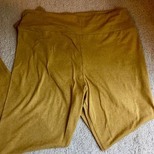 LuLaRoe TC Solid Mustard Yellow Leggings NWOT